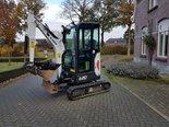 Bobcat-E20-minigraver-bouwjaar2015-urenstand-210